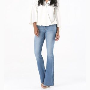 Bebe high waisted clean front flared blue jeans 27